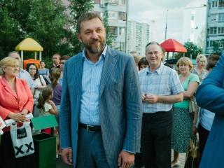 Дмитрий Саблин поздравил учителей