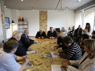 Встреча Дмитрия Саблина с жителями Троицка